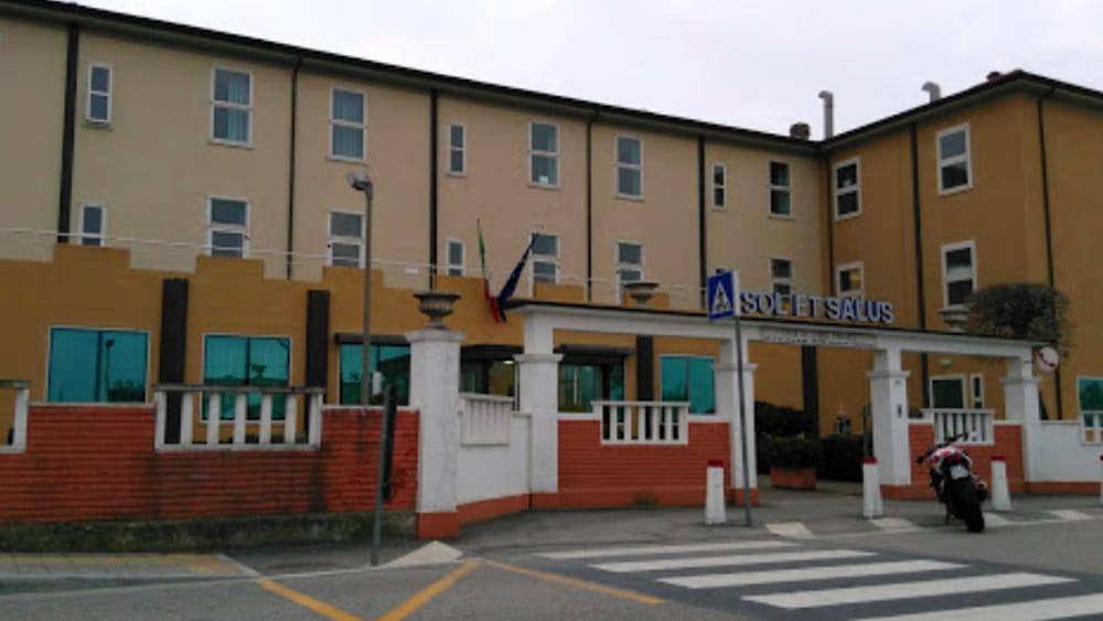 Villa Salus S R L Viserbella Rimini Rn