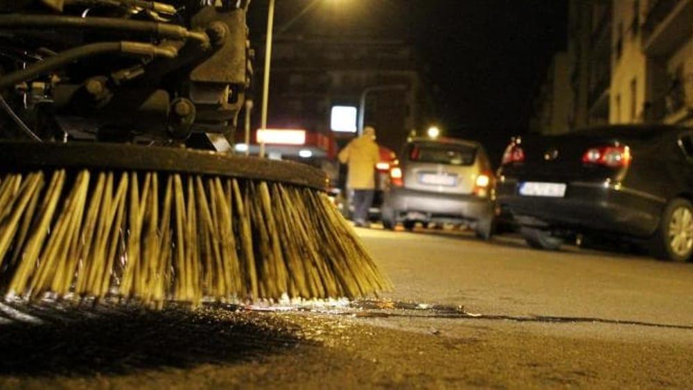 Dopo i festeggiamenti del capodanno maxi lavoro di pulizia - Pulizia casa dopo lavori ...