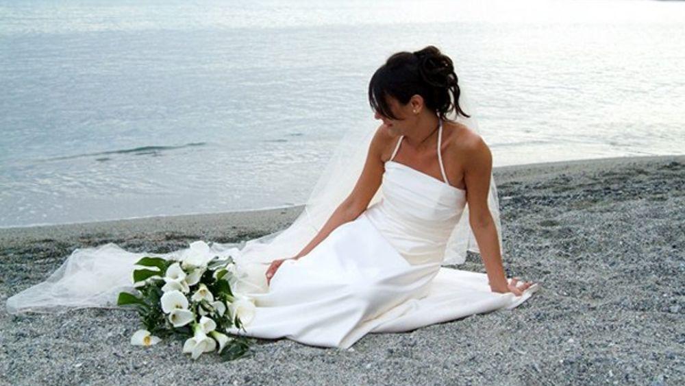 Matrimonio In Spiaggia Rimini : La spiaggia di marina scenografia per i matrimoni in riva