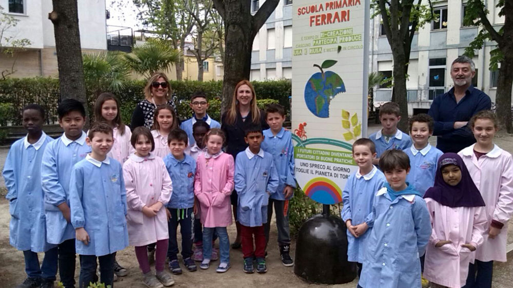 Rimini scuola sostenibile inaugura il nuovo giardino for Giardino rimini