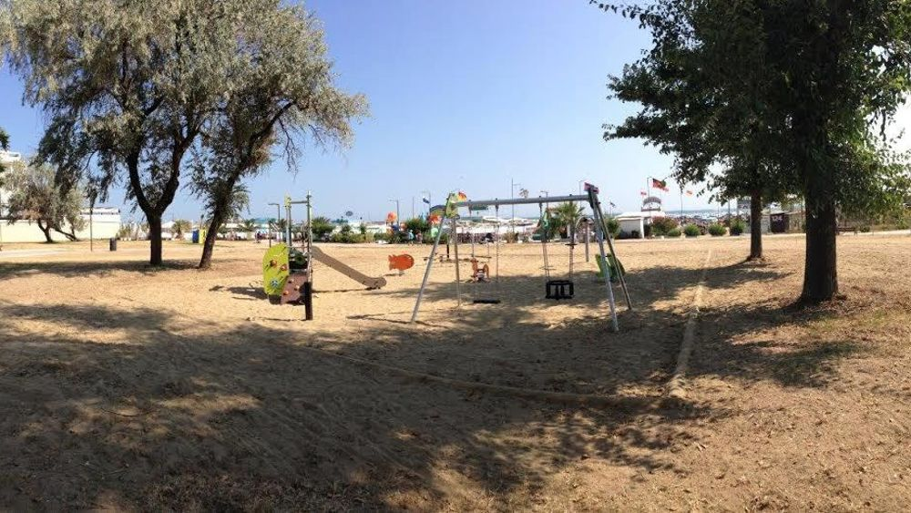 Un nuovo parco giochi per bambini nei giardini di Rivazzurra
